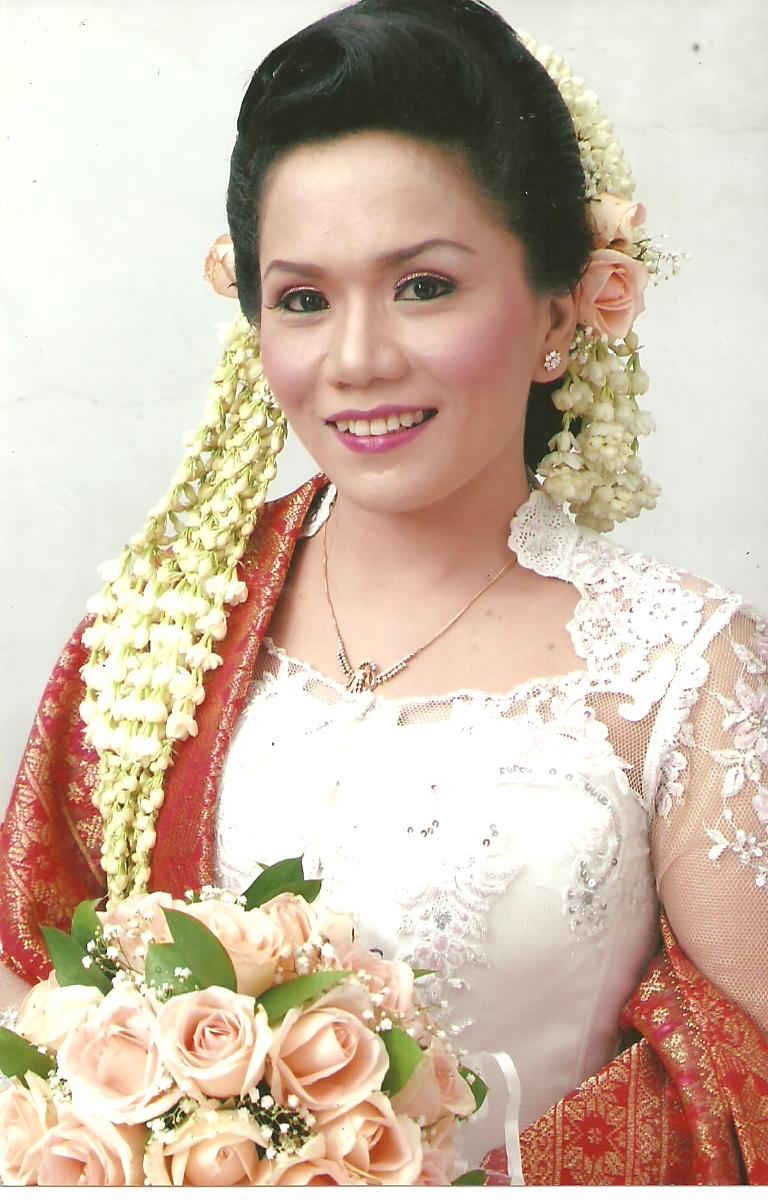 Saras Ayu Wedding Pengantin Nasional Modifikasi Daerah
