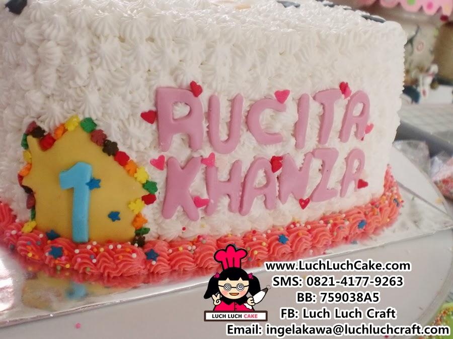 Luch Luch Cake Kue Tart Kepala Hello Kitty Daerah