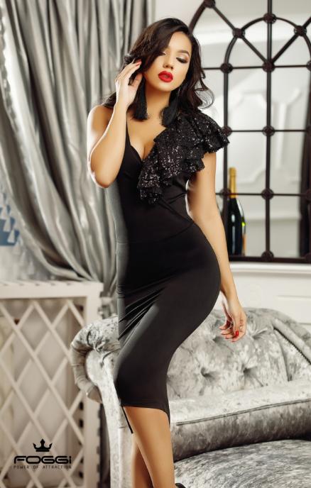 Rochie midi neagra eleganta usor asimetrica cu dantela  Foggi