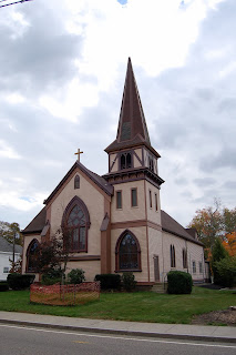 Franklin United Methodist Church, 82 West Central St