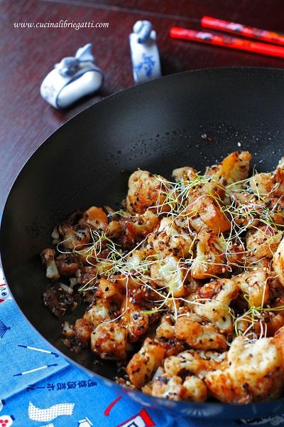 cavolfiore al sesamo peperoncino ricetta vegana
