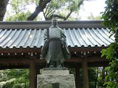 矢田部盛治の像
