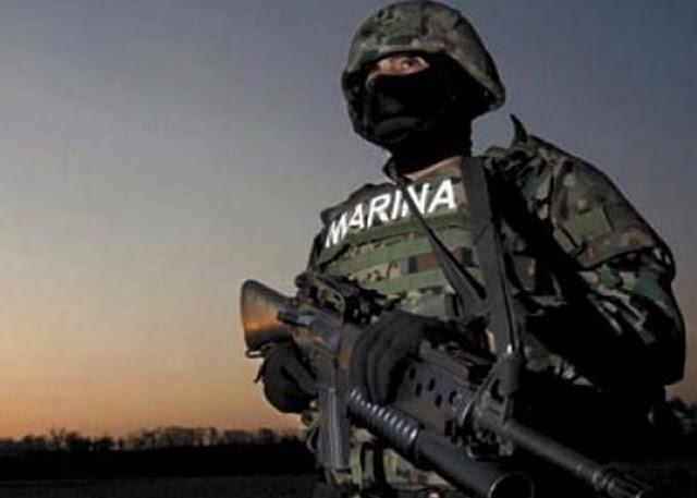 """El """"Marino Loko"""" el Oficial de la Marina que se divertía humillando Narcos El Cártel del Golfo lo acusó"""