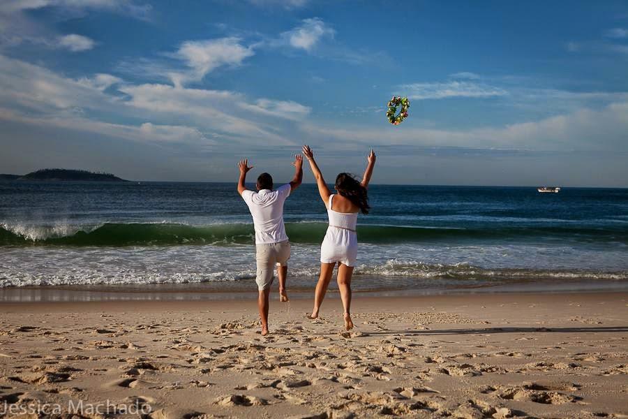 esession-praia-coroa-flores-noivos-3