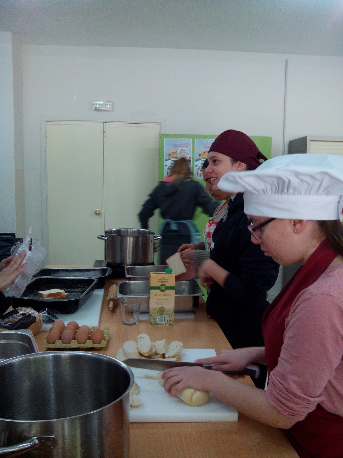 Blog de los alumnos de secundaria del antonio gala taller - Cocinas dos hermanas ...