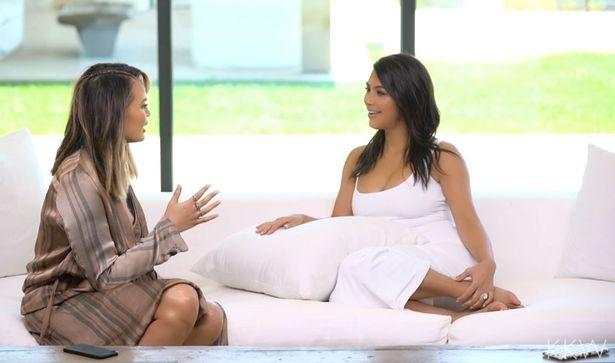 Kim-Kardashian-and-Chrissy-Teigen