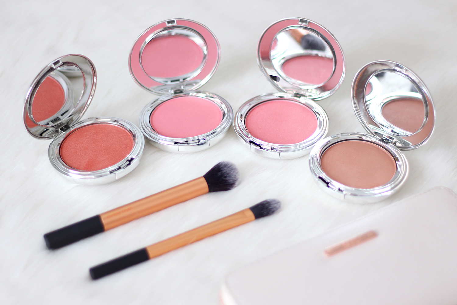 Ultima Ii Makeup Indonesia Saubhaya Delicate Translucent Face Powder 24g I M Usually Stick To The Same Pink Color For Blushes Therefore Am So Excited Explore On