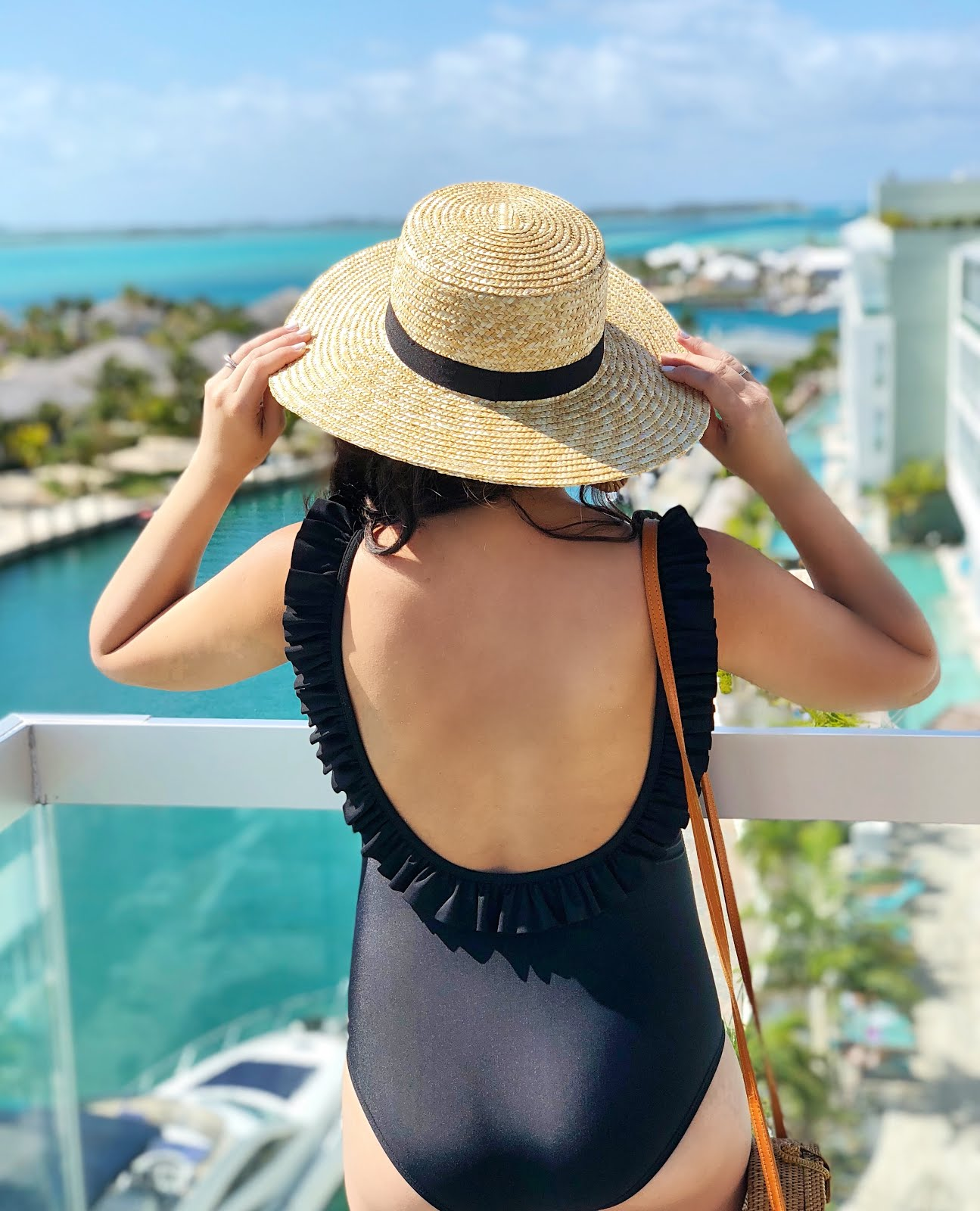 Styling-My-Bump-For-The-Beach-Bimini-The-Bahamas-Vivi-Brizuela