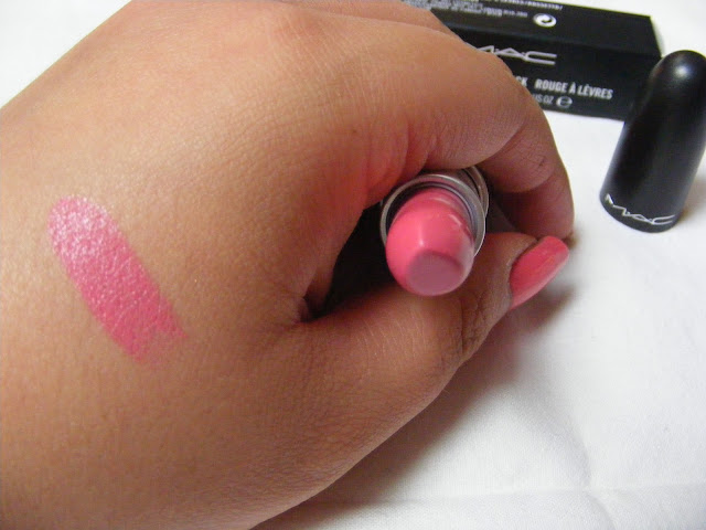 A picture of MAC Chatterbox Lipstick