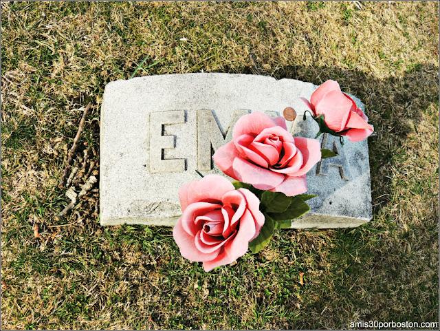 Tumba de Emma Borden en el Oak Grove Cementery