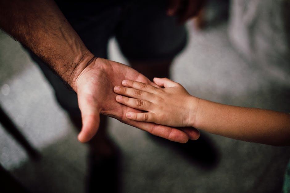 كيف الوالد ناجح في تربية طفله