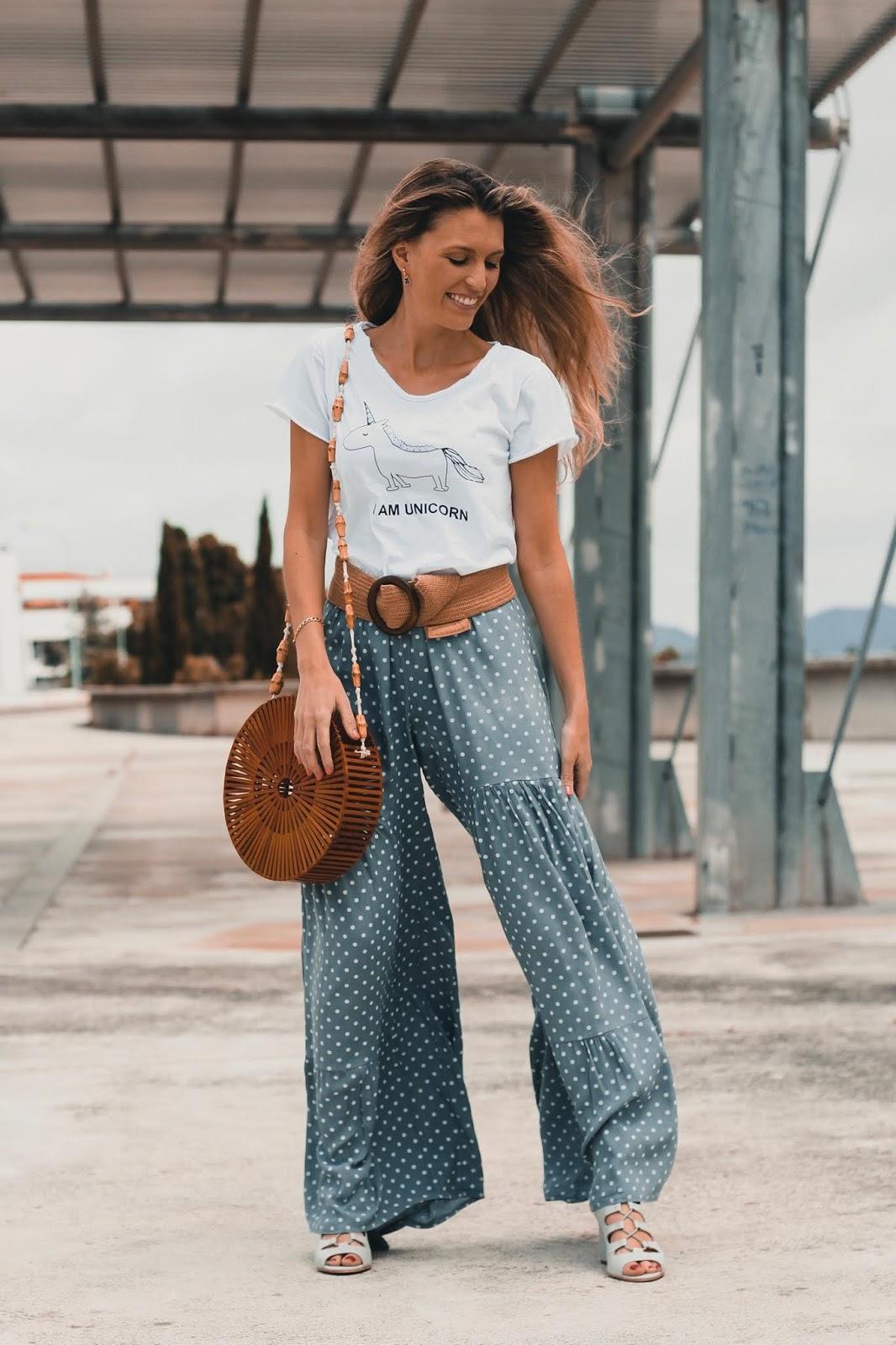 pantalones de lunares campana