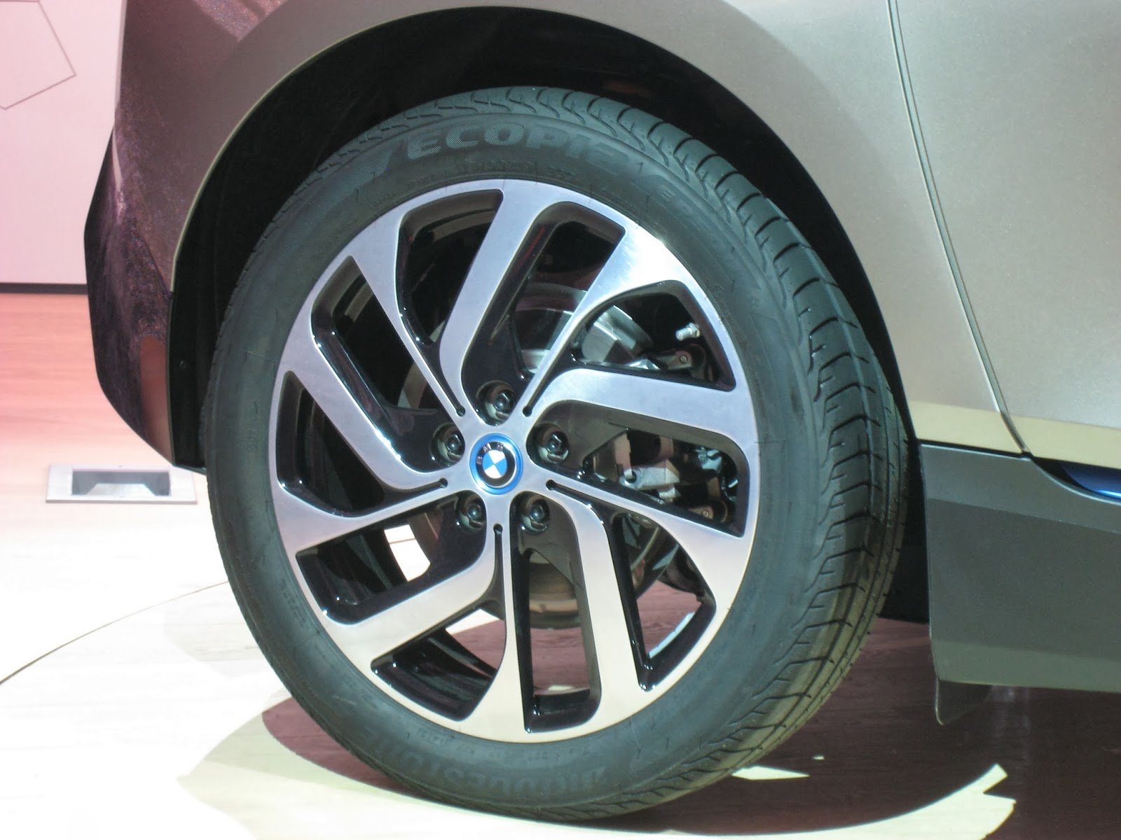 the electric bmw i3: bmw i3 wheels and tires: what you need to know