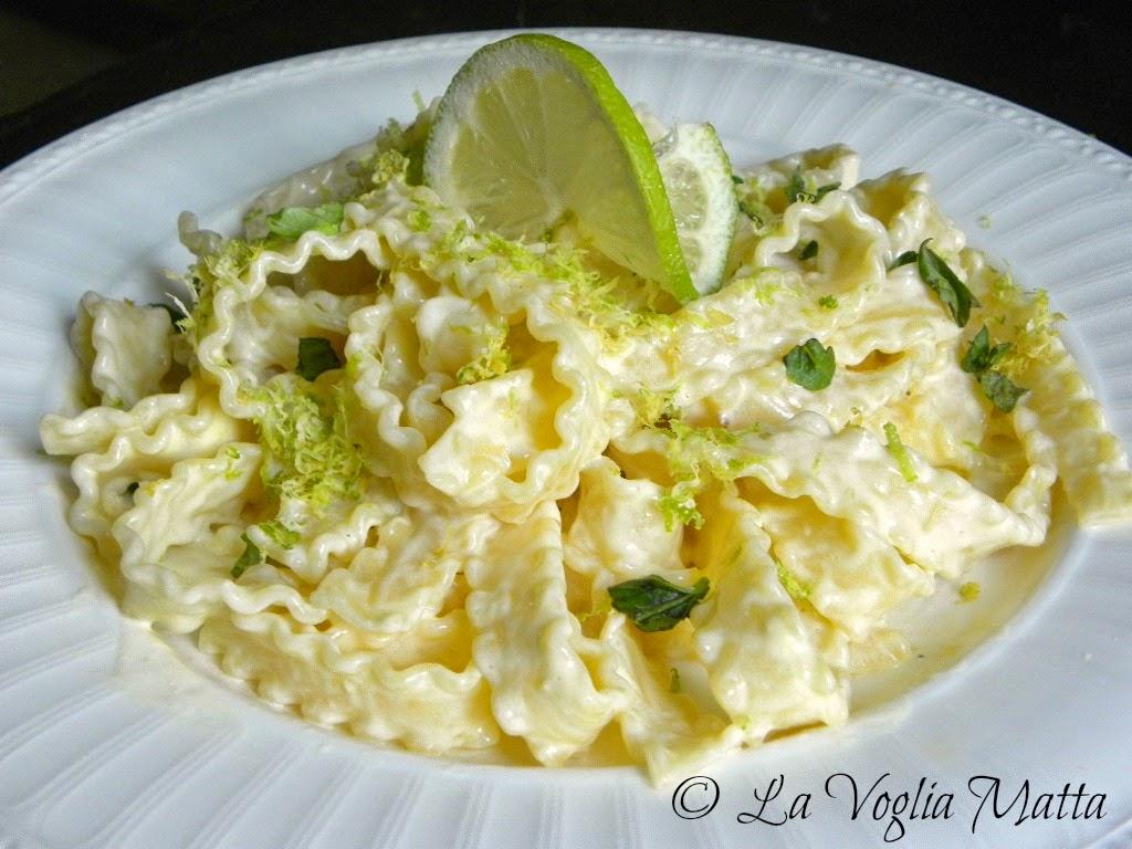 mafaldine al limone  e profumo di basilico