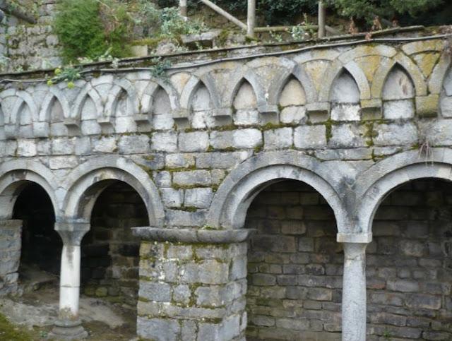 Chiostro dell'abbazia sull'isola del Tino