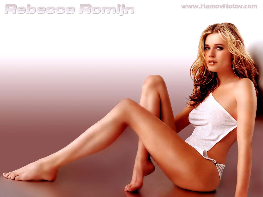 Rebecca Romijn Sexy Photos