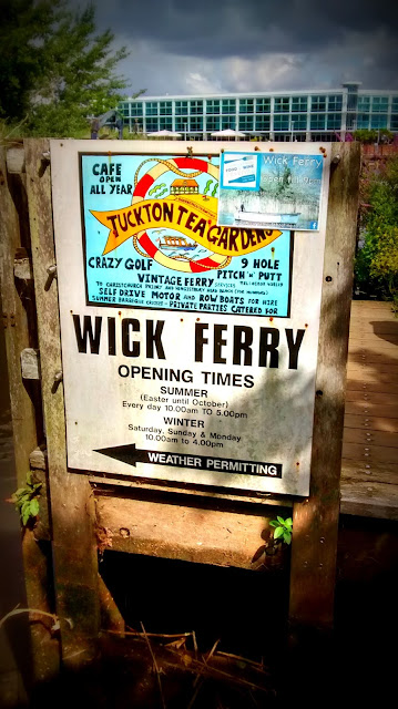Sign pointing to the Wick Ferry at Tuckton