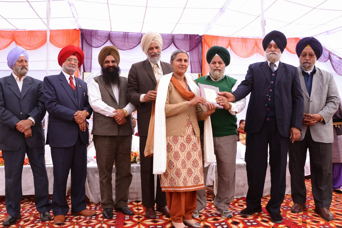parambir kaur bags best punjabi book award from language department of punjab for her book zindagi di sajj dhajj