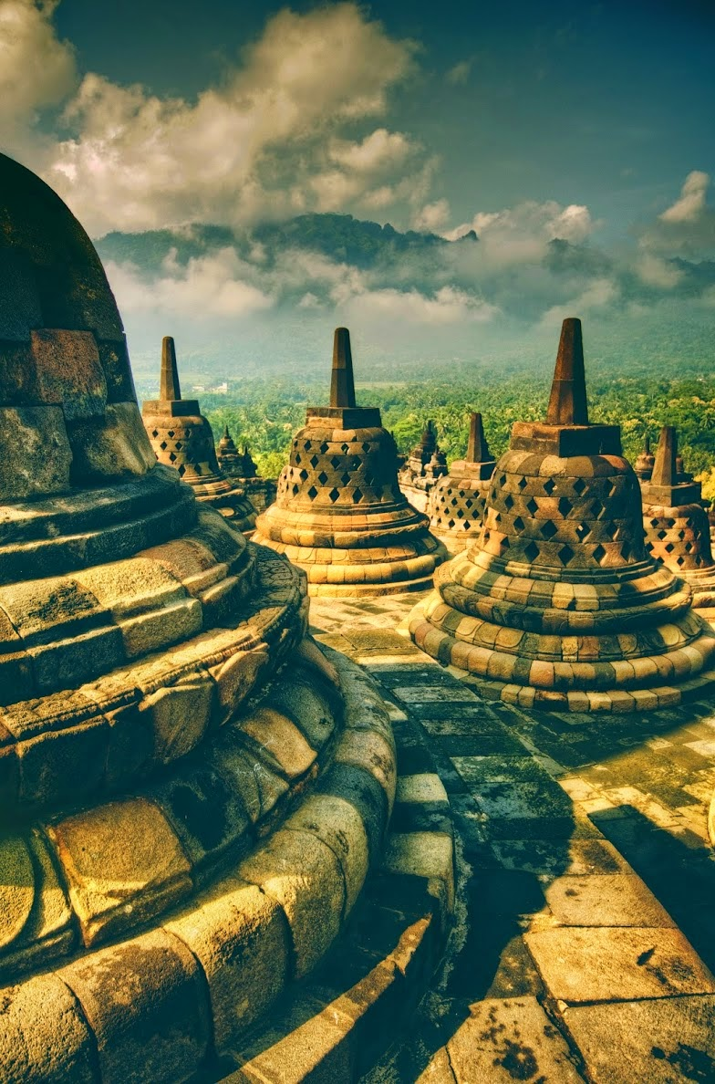 10 Places You Shouldn't Miss in Indonesia | The Buddhistic temple of Borobudur, Indonesia