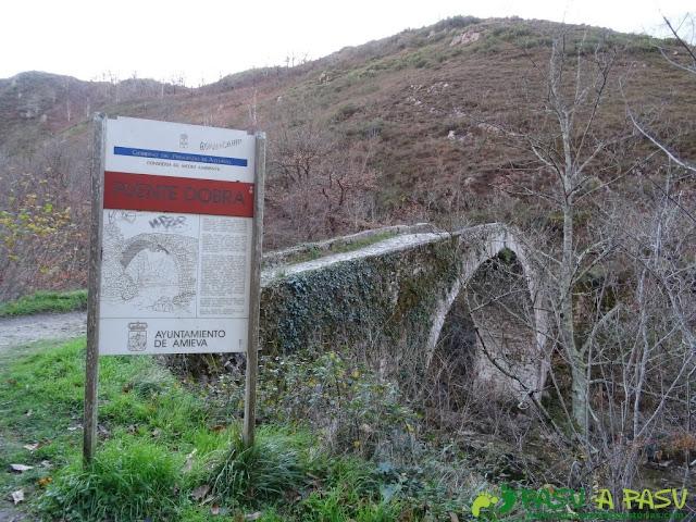 Puente Medieval sobre el Río Dobra en la ruta de la Olla de San Vicente