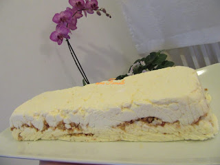 Semifreddo with peanuts