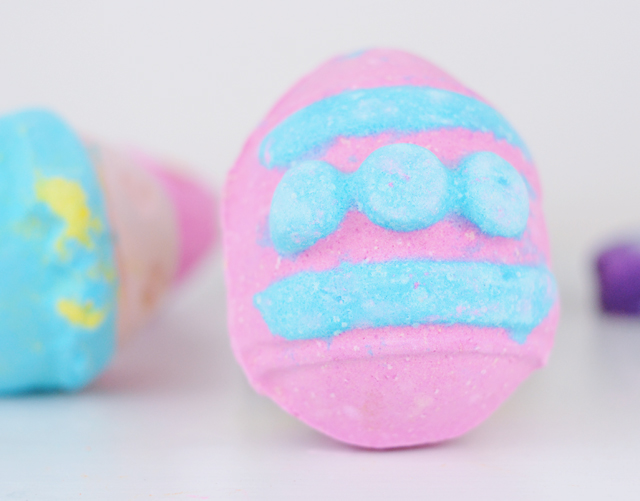 Lush Which Came First Bath Bomb Review