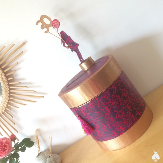 urnes d'anniversaire en carton