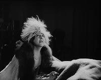 "Кадр из фильма Чарли Чаплина ""Парижанка"" (1923) - 7"