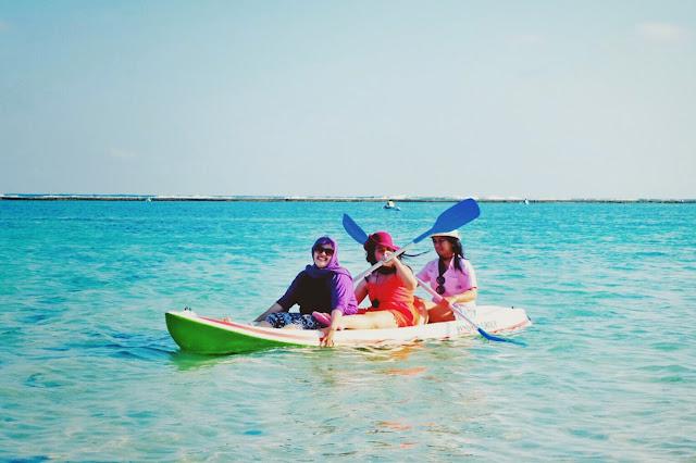 main kano di pantai pandawa bali