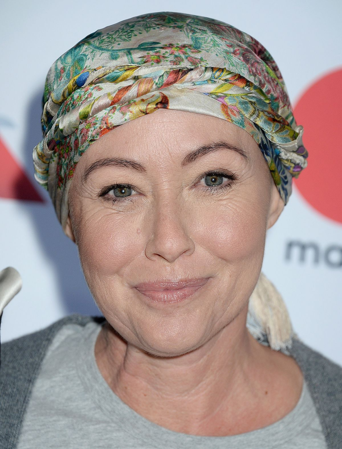 Full HD Wallpapers of Shannen Doherty At 5th Biennial Stand Up To Cancer In Los Angeles