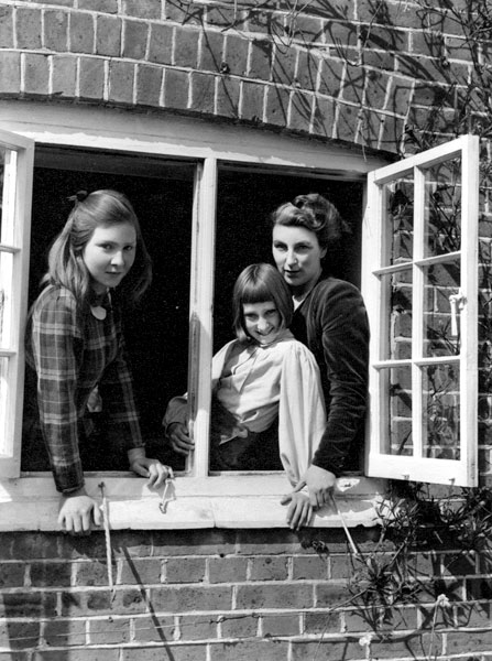 Rumer Godde and her daughters 1949