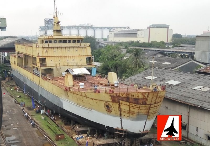 Kapal Landing Ship Tank Nomor 2 PT DKB
