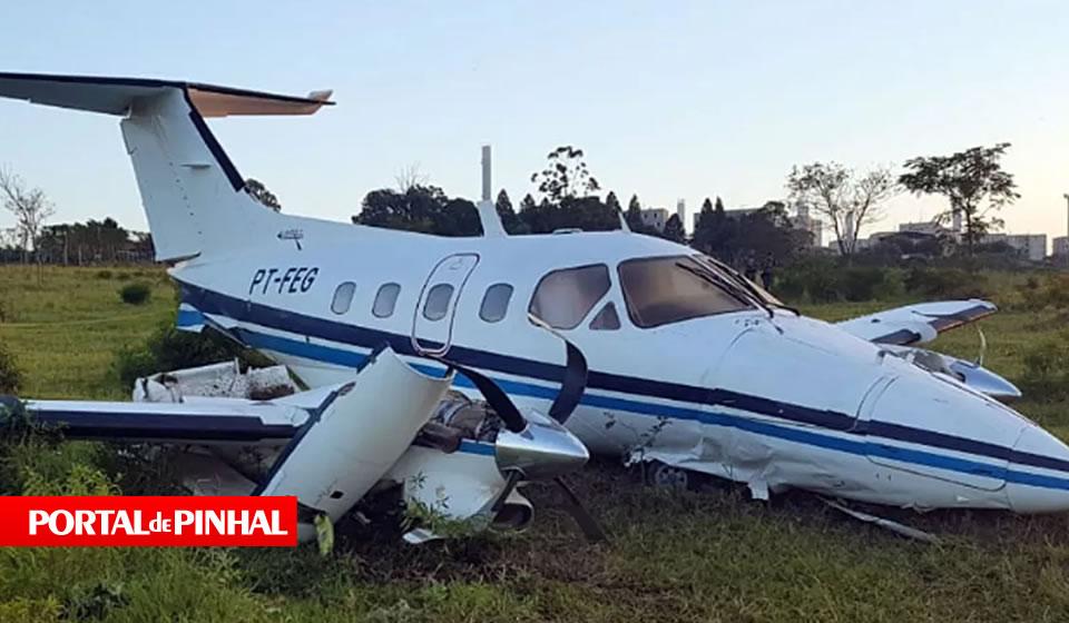 Avião faz pouso forçado na cidade de Campinas (SP) e 5 ocupantes sobrevivem