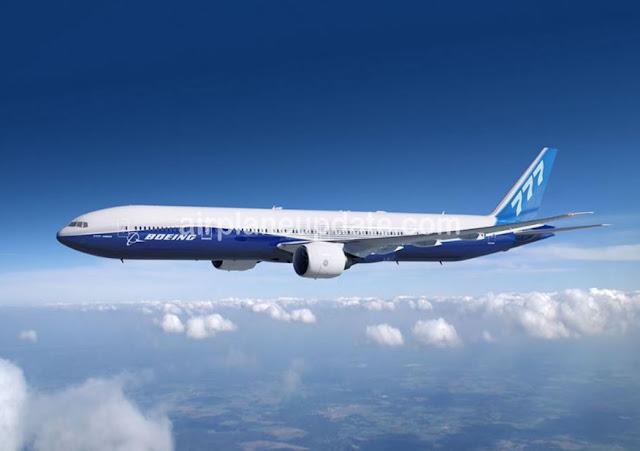 Boeing 777-300ER photo