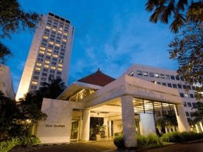hotel bumi surabaya buffet, hotel bumi surabaya angker, sejarah hotel bumi surabaya, hotel bumi surabaya arum manis, hotel bumi surabaya wedding package.