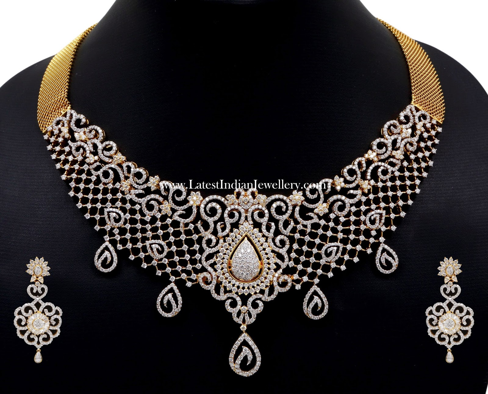 Luxurious Indian Diamond Necklace