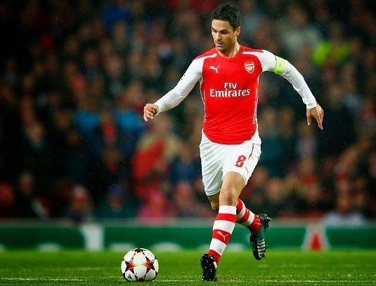 Arsenal midfielder Mikel Arteta signs new deal