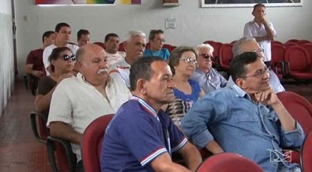 Caxias recebe restos mortais de Vespasiano Ramos 100 anos após a morte do poeta