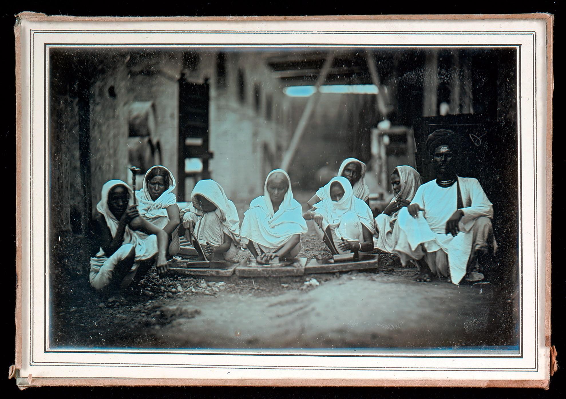 Women Grinding Paint, Daguerreotype Photograph - Calcutta (Kolkata) c1845