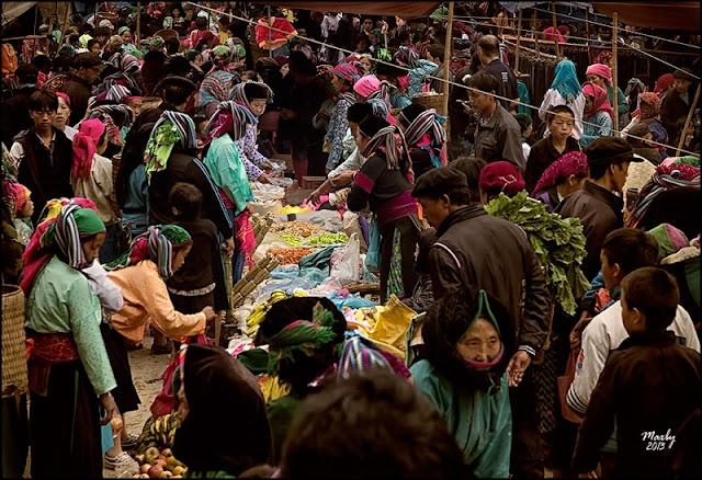 Sa phin market in Ha Giang 1