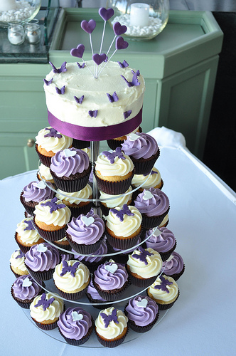 wedding cake with cupcake ideas wedding cup cakes ideas wedding bells 26856