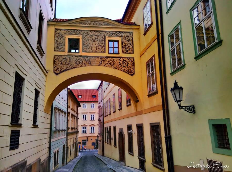 Pasaj suspendat din Praga