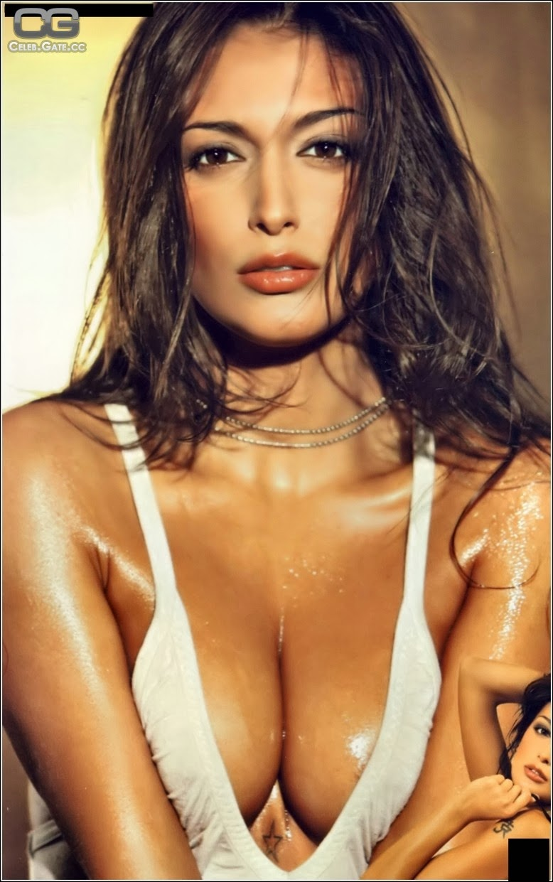 italian famous nude woman