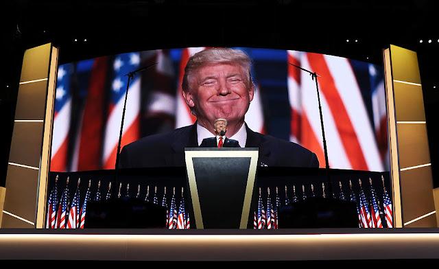Oro baja Donald Trump