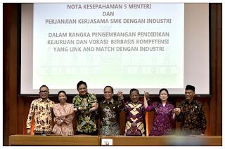 Penandatanganan Nota Kesepahaman Pengembangan Pendidikan Vokasi Oleh Lima Menteri