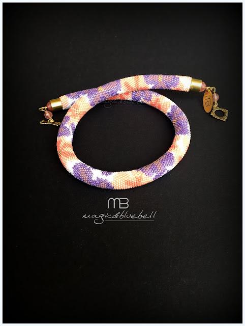 Horgolt virágos nyaklánc