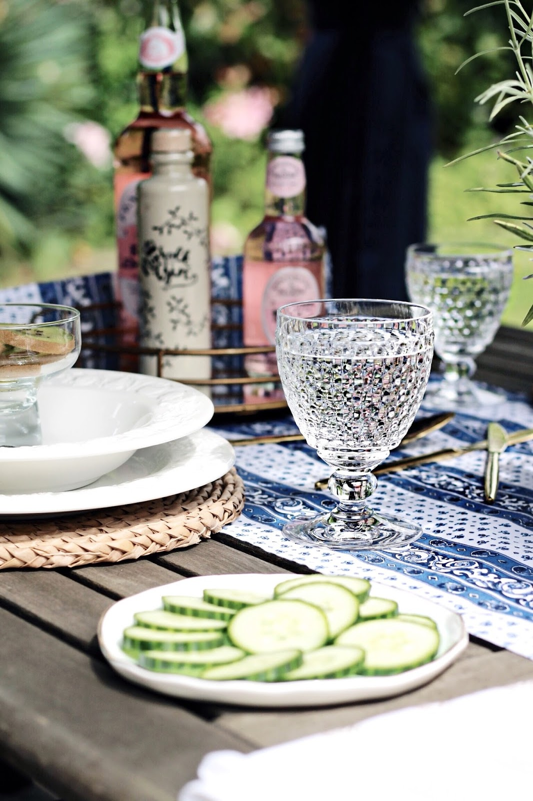 Al Fresco Summer Dining Blog Setting