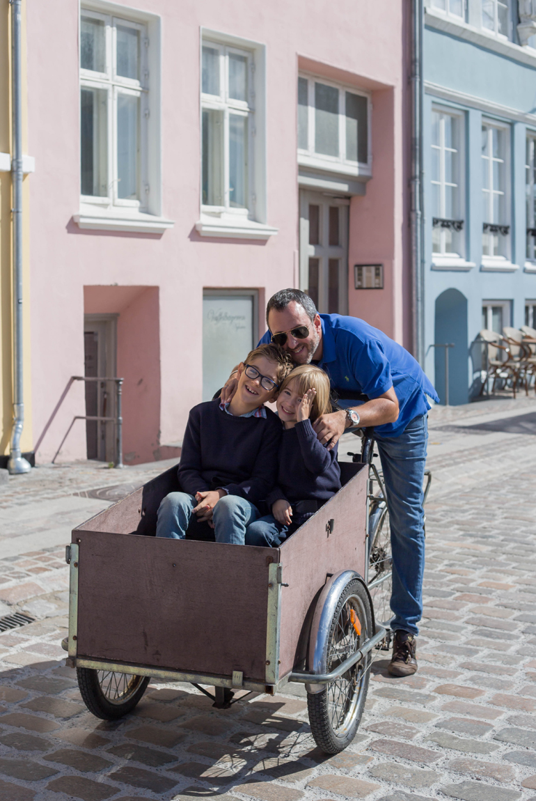 viajar-copenhague-imprescindibles-cargo-bike-familia