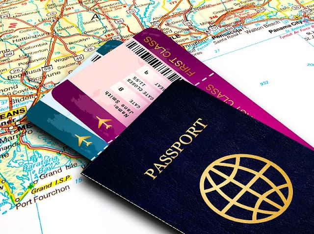 Passaporte com passagens de avião