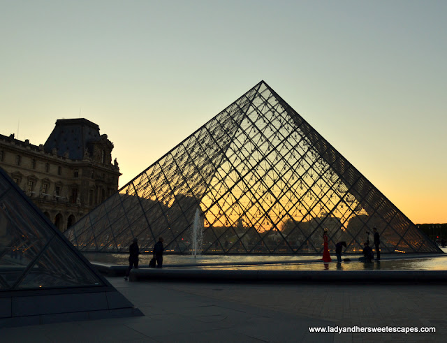 Sunset in Louvre